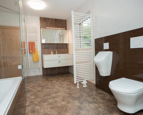 fliesenloses badezimmer innenarchitektur und m belideen. Black Bedroom Furniture Sets. Home Design Ideas
